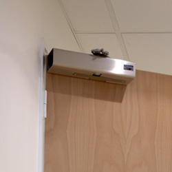 Freedor Free-Swing Door Closer