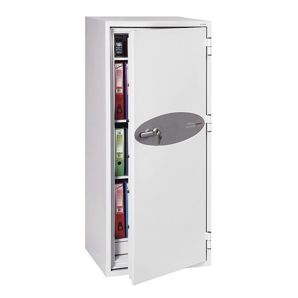 Supplied with height adjustable shelves