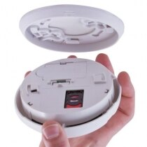 The Firetext SMS smoke alarm fitting to the base