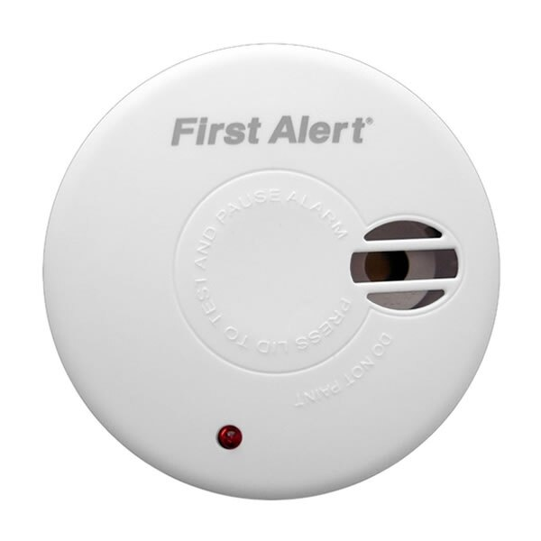 9V Ionisation Smoke Alarm with Test and Hush Button - First Alert SA300UK