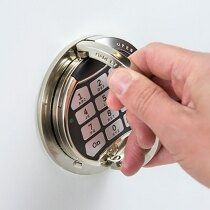 Electronic lock with time delay function