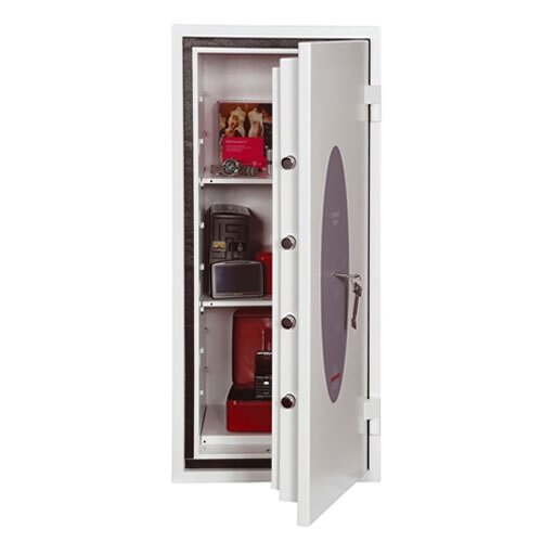 The Phoenix Citadel 1193 safe is supplied with two shelves as standard