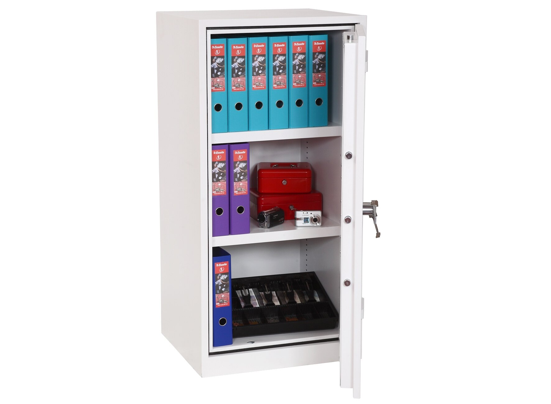 With 2 height adjustable shelves