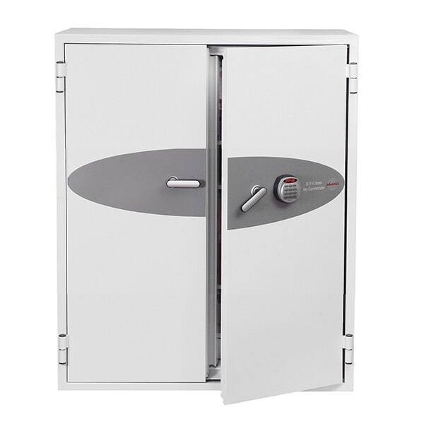Fitted with an advanced high security electronic lock with clear LED display