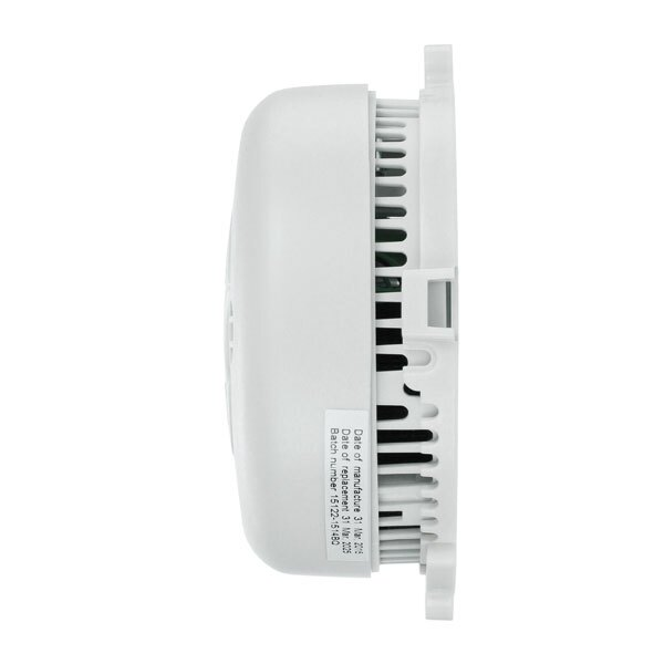 Battery powered smoke alarm (AAA batteries included)