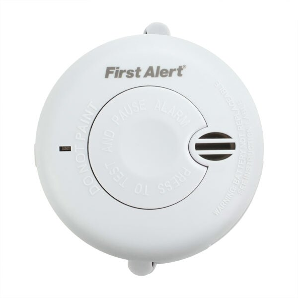 Battery Powered Optical Smoke Alarm with Test and Hush Button - First Alert SA700UK