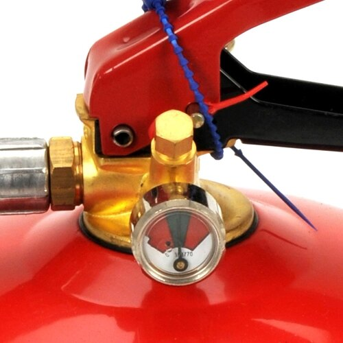 The Gloria 9kg powder fire extinguisher has a Schraeder valve fast gauge testing system